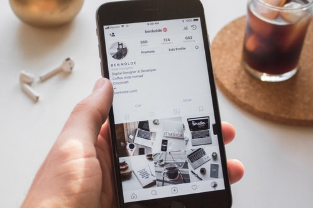 Are you looking for Instagram for business hacks?  Or Instagram blog tips?  We have 18 hidden Instagram tips and hacks that will help your blog or business!